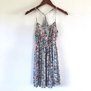 Dresses & Skirts - Floral flowy strappy summer dress